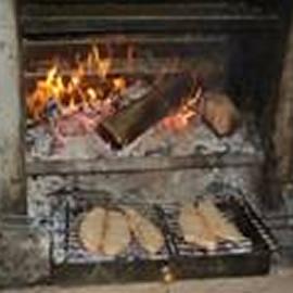 薪で焼いたパン
